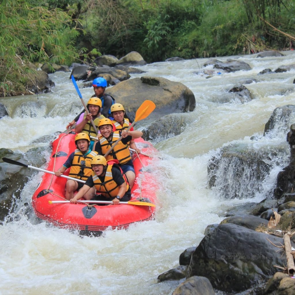adventure rafting puncak