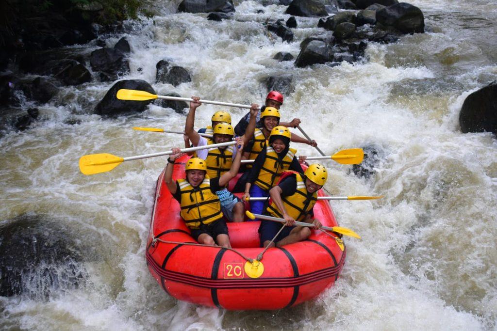 adventure rafting cisadane puncak bogor