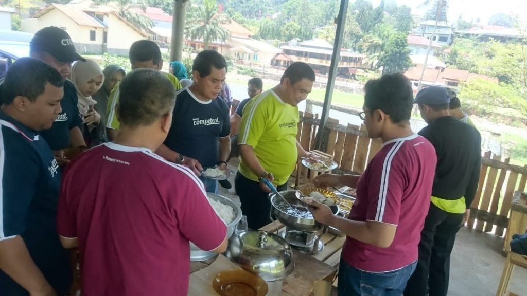 family_gathering_outbound_puncak