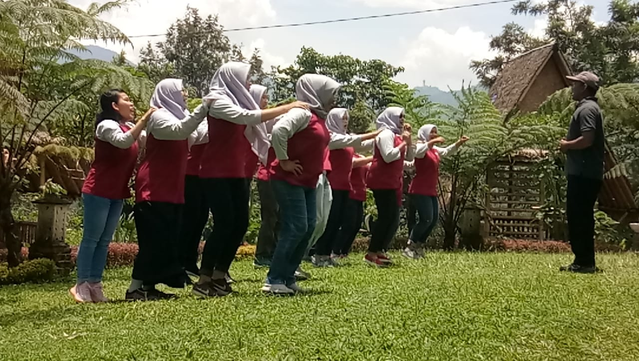 fun games family gathering puncak