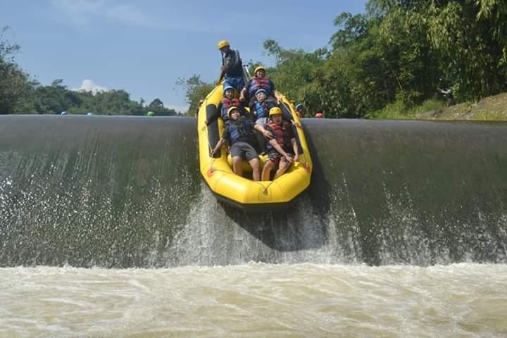 family rafting puncak bogor