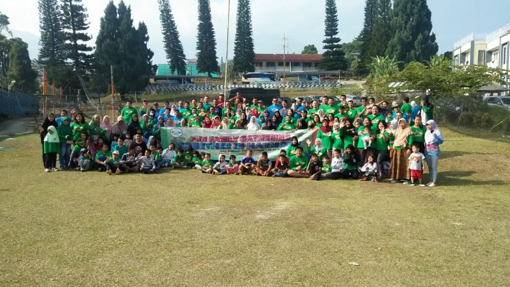family gathering corporate event puncak
