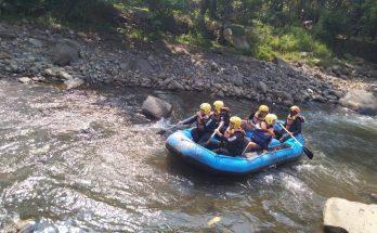tempat rekreasi wisata rafting puncak