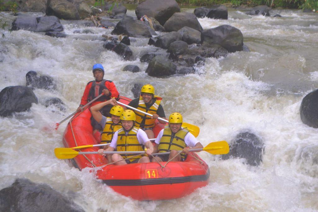 adventure rafting puncak bogor