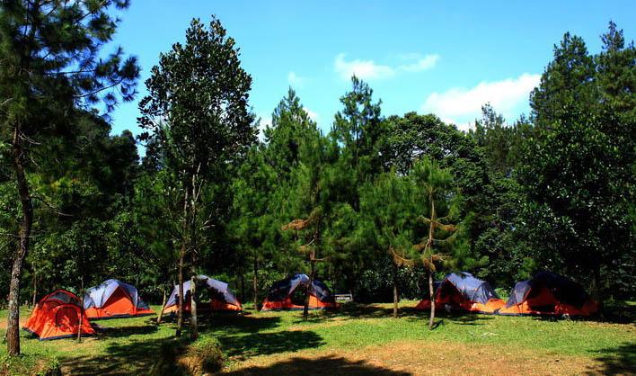 highland curug panjang camping ground
