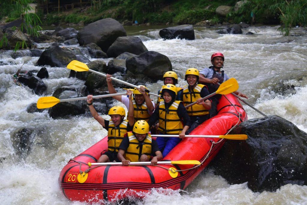adventure rafting cisadane