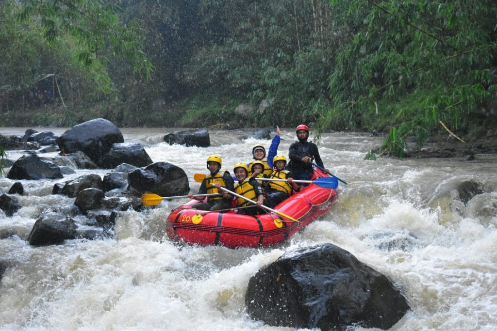 wisata rafting bogor